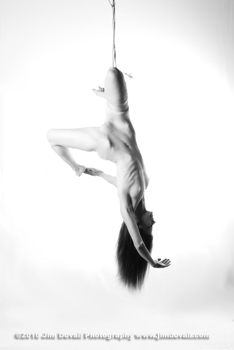 nude woman hanging upside down model: Artemis Bare