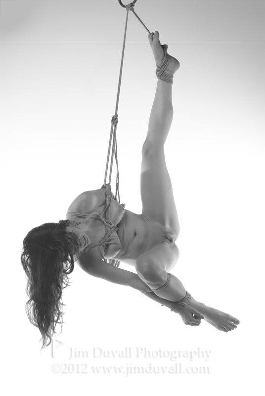 womqn nude tied up and suspended model: Jo